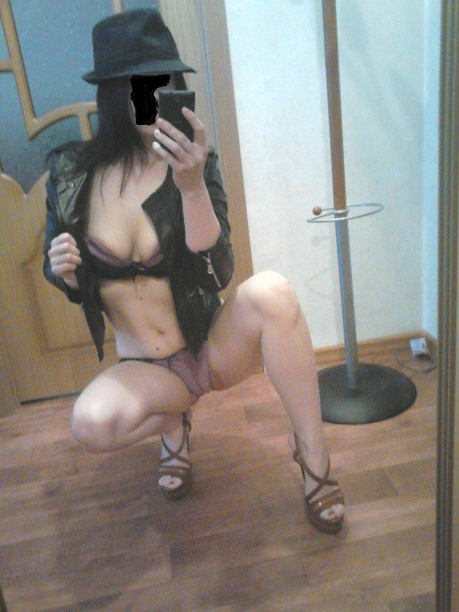 Девушку раб у проститутки